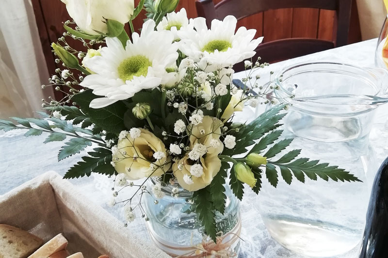 sala ricevimenti centro tavola fiori