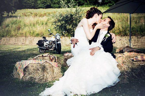 location matrimoni firenze bacio sposi